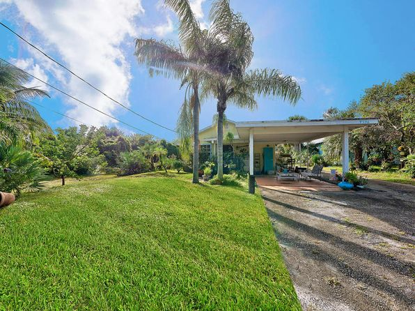2 bed 1 bath Single Family at 9396 SE Venus St Hobe Sound, FL, 33455 is for sale at 200k - 1 of 12