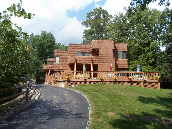 4 bed 5 bath Single Family at 1650 Colonial Dr Cincinnati, OH, 45238 is for sale at 880k - 1 of 25