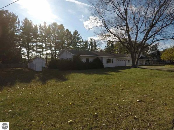 3 bed 4 bath Single Family at 508 Evart St Cadillac, MI, 49601 is for sale at 139k - 1 of 36
