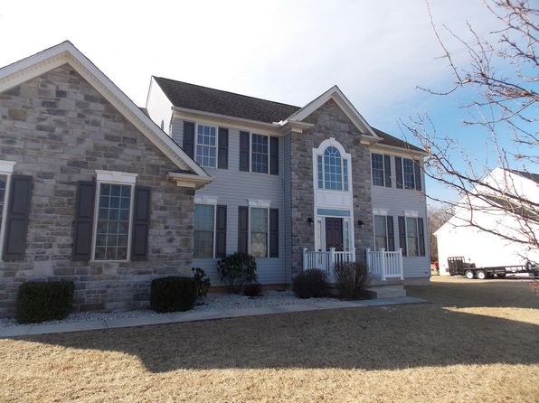 4 bed 3 bath Single Family at 219 Dorchester Dr Falling Waters, WV, 25419 is for sale at 380k - 1 of 17