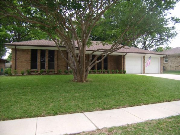 3 bed 2 bath Single Family at 1017 Ridgefield Dr Plano, TX, 75075 is for sale at 250k - 1 of 23