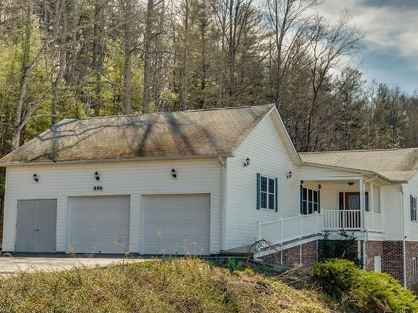 3 bed 3 bath Single Family at 232 Lone Laurel Trl Hendersonville, NC, 28792 is for sale at 250k - 1 of 26
