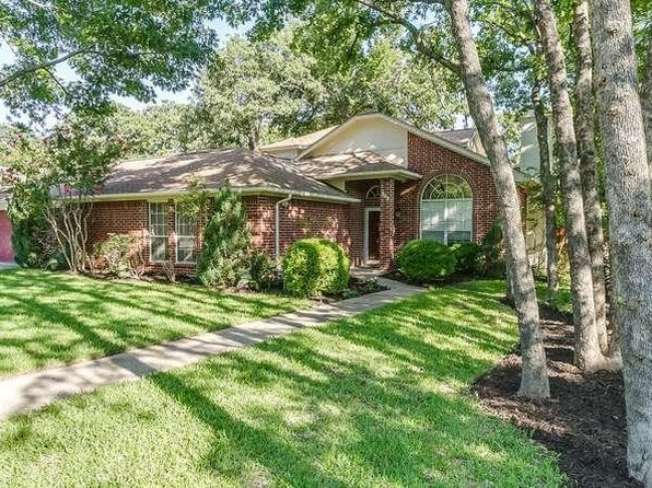 3 bed 3 bath Single Family at 703 High Crest Dr Azle, TX, 76020 is for sale at 210k - 1 of 36