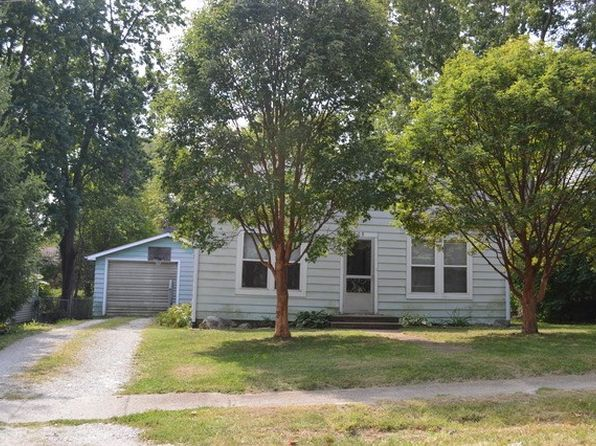 2 bed 2 bath Single Family at 405 E State St Mahomet, IL, 61853 is for sale at 88k - 1 of 7