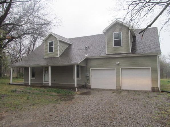 3 bed 3 bath Single Family at 703 W 24th St Sedalia, MO, 65301 is for sale at 127k - 1 of 9