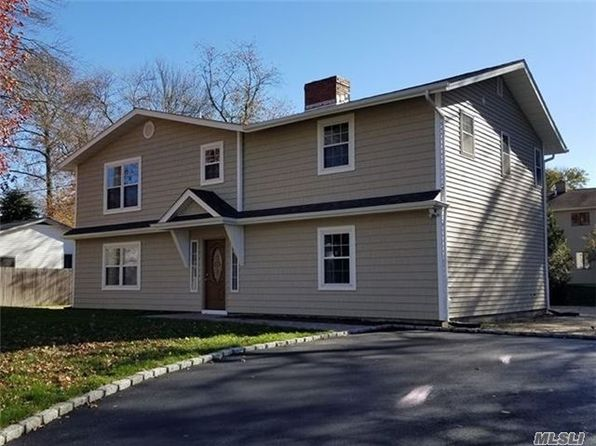 4 bed 2 bath Single Family at 18 Helen Ave Smithtown, NY, 11787 is for sale at 450k - 1 of 3