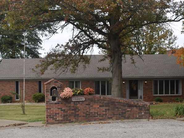 3 bed 3 bath Single Family at 1301 April Dr Evansville, IN, 47710 is for sale at 270k - 1 of 60