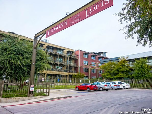 1 bed 1 bath Townhouse at 831 S Flores St San Antonio, TX, 78204 is for sale at 233k - 1 of 14