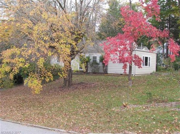 3 bed 2 bath Single Family at 222 Laurel Circle Dr Black Mountain, NC, 28711 is for sale at 369k - 1 of 16