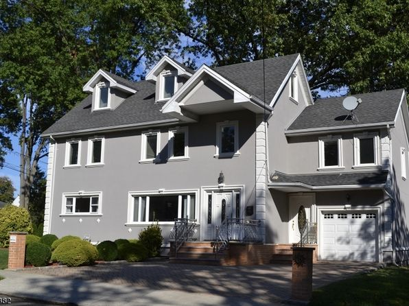 4 bed 4 bath Single Family at 15 Alyson Pl Bloomfield, NJ, 07003 is for sale at 470k - 1 of 19