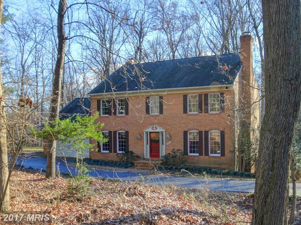 5 bed 4 bath Single Family at 9805 Thunderhill Ct Great Falls, VA, 22066 is for sale at 950k - 1 of 40