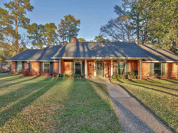 4 bed 2 bath Single Family at 2303 ROBINSON WAY HUNTSVILLE, TX, 77340 is for sale at 255k - 1 of 31