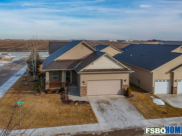 2 bed 2 bath Townhouse at 13119 Alpine Dr Urbandale, IA, 50323 is for sale at 247k - 1 of 21