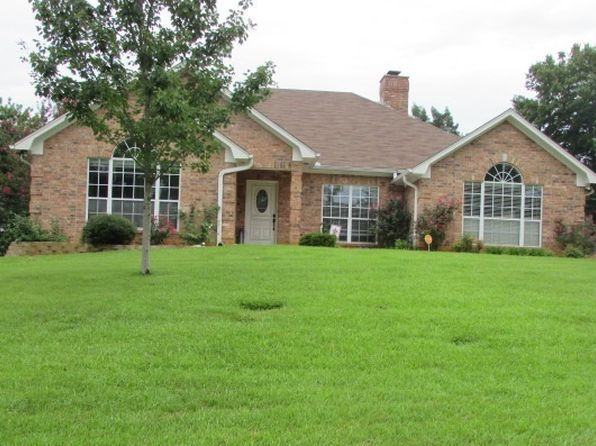 4 bed 3 bath Single Family at 3209 CRENSHAW ST LONGVIEW, TX, 75605 is for sale at 235k - 1 of 18