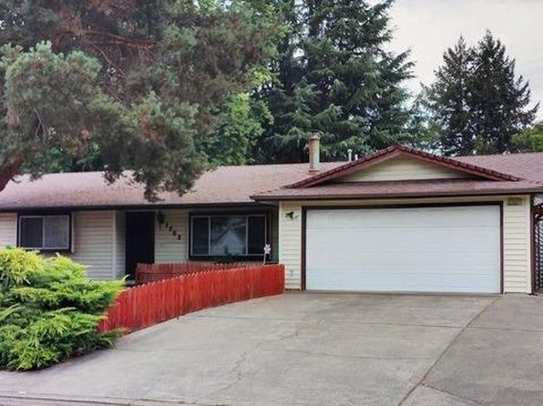 3 bed 2 bath Single Family at 1752 Axtell Dr Grants Pass, OR, 97527 is for sale at 264k - 1 of 29