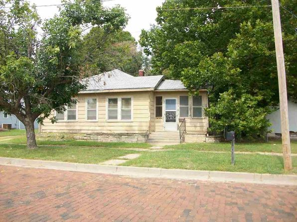 3 bed 1 bath Single Family at 210 W Pine Ave Arkansas City, KS, 67005 is for sale at 17k - 1 of 9