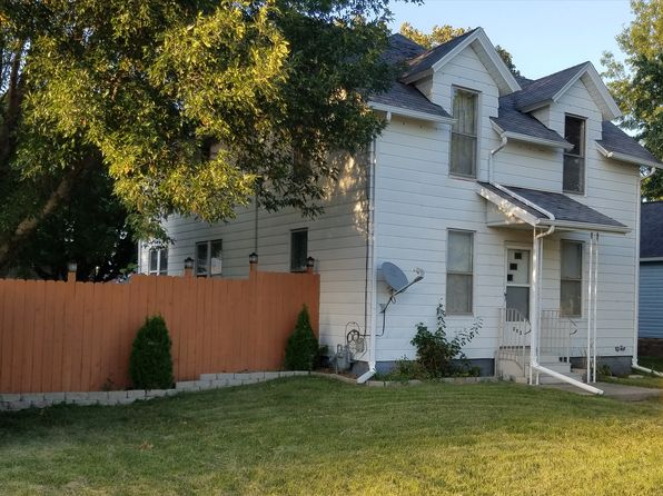 3 bed 1 bath Single Family at 202 E Henry St Atkinson, IL, 61235 is for sale at 83k - 1 of 14