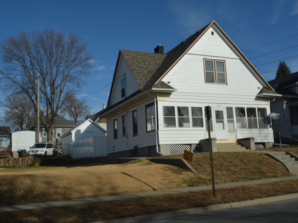 3 bed 2 bath Single Family at 1403 W 4TH ST SIOUX CITY, IA, 51103 is for sale at 69k - 1 of 11