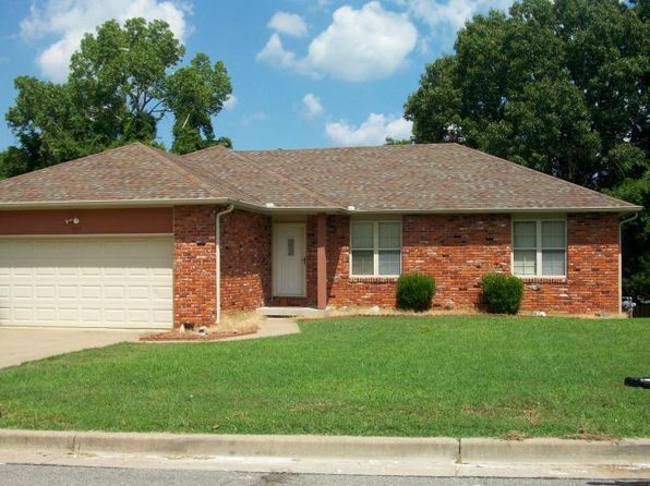 3 bed 2 bath Single Family at 305 N Grace Ave Joplin, MO, 64801 is for sale at 126k - 1 of 15