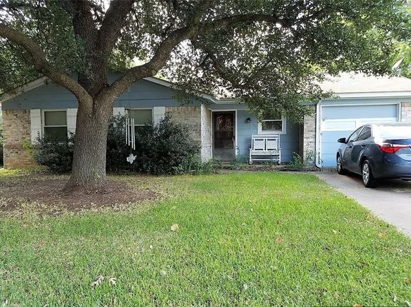 3 bed 2 bath Single Family at 1238 Neptune Dr Cedar Hill, TX, 75104 is for sale at 112k - 1 of 15