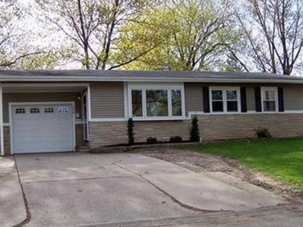 3 bed 2 bath Single Family at 416 N 12th St Clinton, IA, 52732 is for sale at 100k - 1 of 20