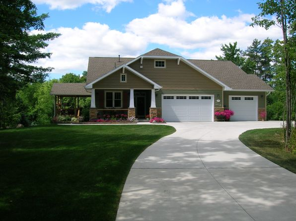 3 bed 4 bath Single Family at 1415 Rosa Ave Crivitz, WI, 54114 is for sale at 450k - 1 of 29