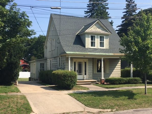 4 bed 3 bath Single Family at 815 E Lake St Petoskey, MI, 49770 is for sale at 224k - google static map