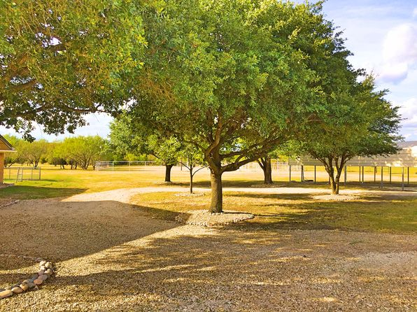 4 bed 2 bath Single Family at 6790 County Road 146 Kaufman, TX, 75142 is for sale at 335k - 1 of 28