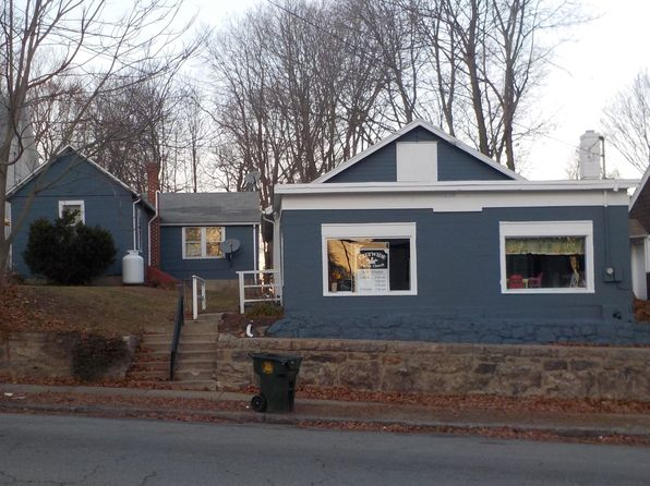 2 bed 1 bath Multi Family at 325 Broad St New London, CT, 06320 is for sale at 105k - 1 of 2