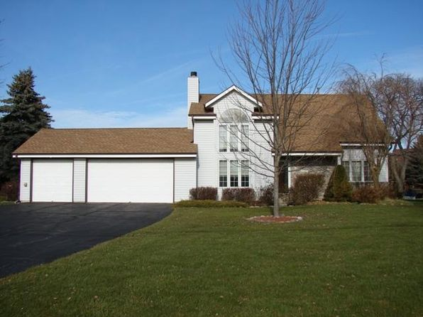 3 bed 3 bath Single Family at 860 E Oakwood Rd Oak Creek, WI, 53154 is for sale at 270k - 1 of 23