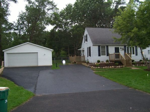 2 bed 1 bath Single Family at 36920 N Helen Dr Lake Villa, IL, 60046 is for sale at 138k - 1 of 5