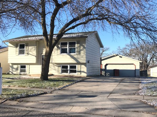 4 bed 2 bath Single Family at 2434 Parkview Ln SE Rochester, MN, 55904 is for sale at 165k - 1 of 22
