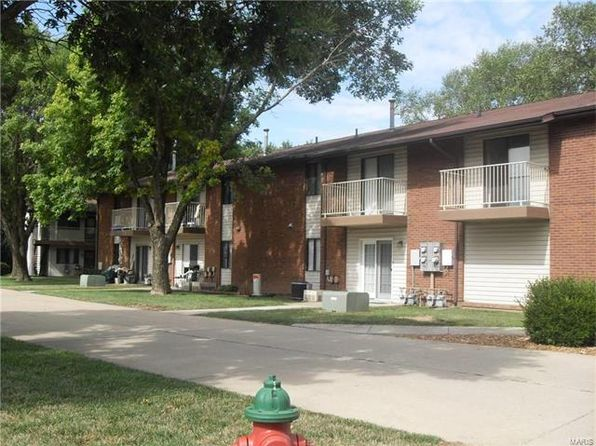 2 bed 1 bath Condo at 220 Suppiger Ln Highland, IL, 62249 is for sale at 48k - 1 of 30
