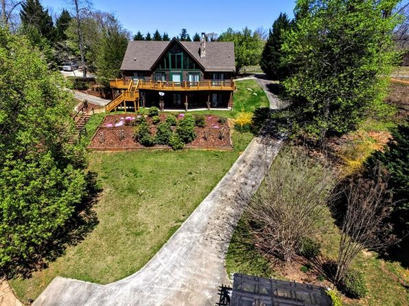5 bed 5 bath Single Family at 1658 Stonecrest Cir Hayesville, NC, 28904 is for sale at 650k - 1 of 11