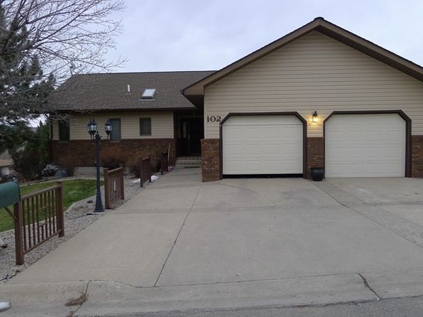 4 bed 3 bath Single Family at 102 Sapphire Dr Lewistown, MT, 59457 is for sale at 337k - 1 of 45
