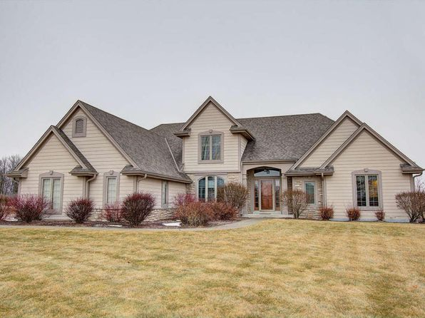 3 bed 3 bath Single Family at 2374 Scenic Hill Trl Richfield, WI, 53076 is for sale at 440k - 1 of 25