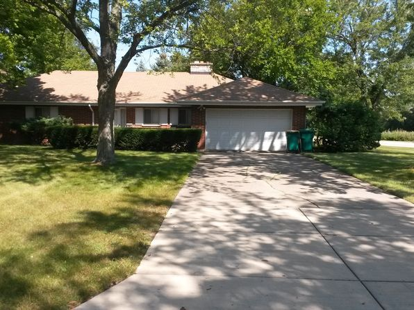 3 bed 2 bath Single Family at 1034 Elmwood Ave Deerfield, IL, 60015 is for sale at 399k - 1 of 16