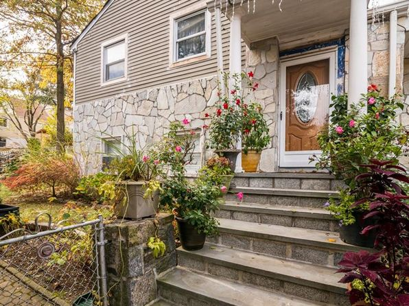 4 bed 2 bath Single Family at 11 Perry Ave White Plains, NY, 10603 is for sale at 450k - 1 of 26