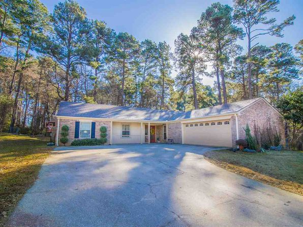 3 bed 2 bath Single Family at 300 Meadow Lake Dr Longview, TX, 75604 is for sale at 175k - 1 of 19