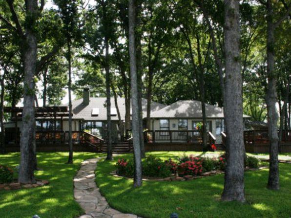 3 bed 3 bath Single Family at 556 Arrowwood Beach Cir Trinidad, TX, 75163 is for sale at 575k - 1 of 23