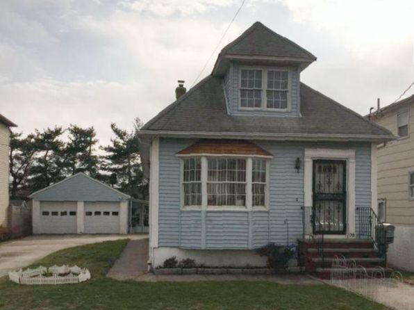 3 bed 2 bath Single Family at 70 Alberta Ave Staten Island, NY, 10314 is for sale at 549k - 1 of 11