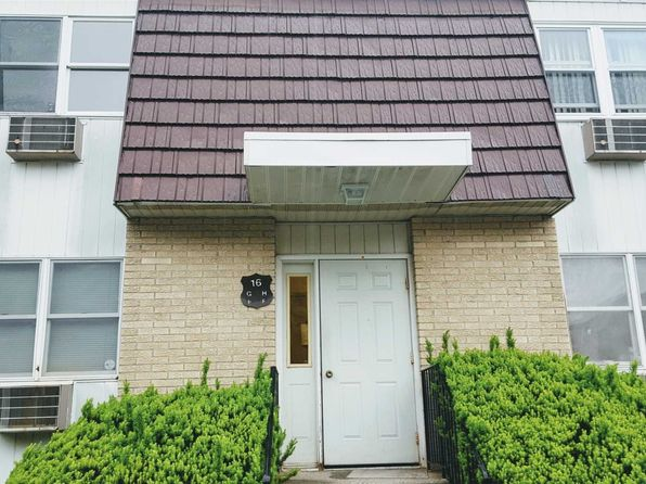 2 bed 1 bath Condo at 16 White Gate Dr Wappingers Falls, NY, 12590 is for sale at 88k - 1 of 16