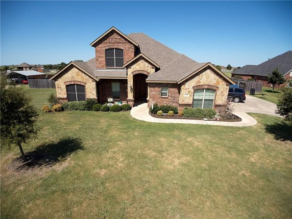 4 bed 3 bath Single Family at 825 Broadhead Rd Waxahachie, TX, 75165 is for sale at 366k - 1 of 30