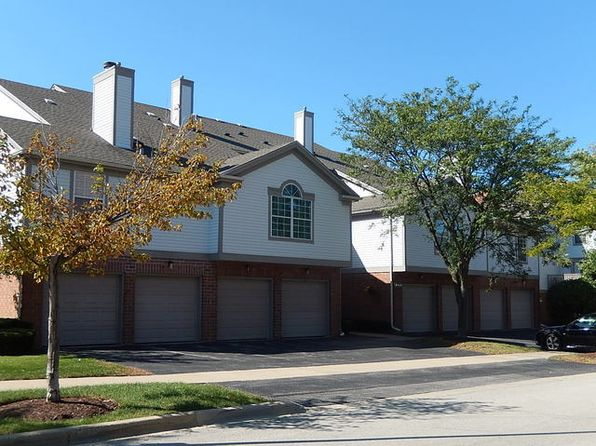 2 bed 2 bath Townhouse at 2 Kristin Cir Schaumburg, IL, 60195 is for sale at 190k - 1 of 23