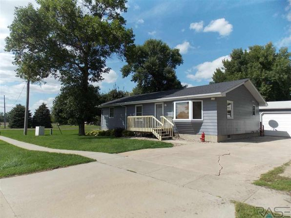5 bed 2 bath Single Family at 520 W 1st St Tea, SD, 57064 is for sale at 170k - 1 of 17