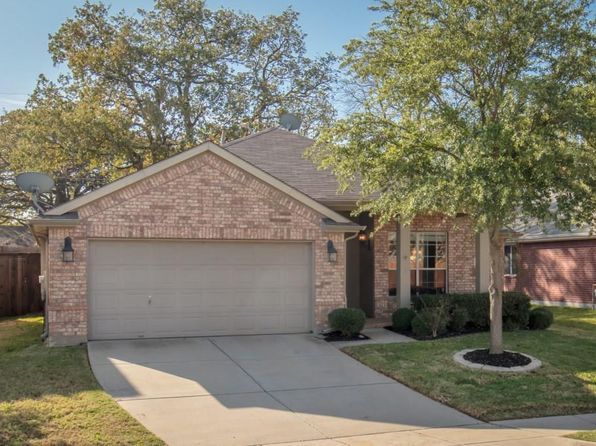 3 bed 2 bath Single Family at 2001 Sharpsbury Dr Euless, TX, 76040 is for sale at 270k - 1 of 35