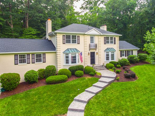 5 bed 4 bath Single Family at 310 Chesapeake Dr Great Falls, VA, 22066 is for sale at 1.05m - 1 of 49