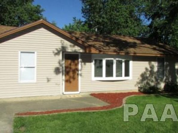 3 bed 1 bath Single Family at 112 Massachusetts Ave Washington, IL, 61571 is for sale at 83k - 1 of 28