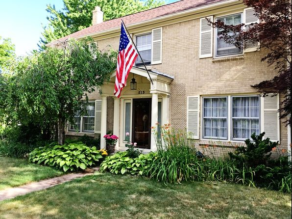 4 bed 4 bath Single Family at 515 E Michigan St Mount Pleasant, MI, 48858 is for sale at 240k - 1 of 8