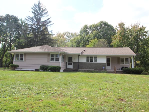 3 bed 3 bath Single Family at 10 Lynnwood Dr Brockport, NY, 14420 is for sale at 140k - 1 of 4